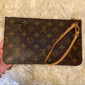 Louis Vuitton never full pouch only